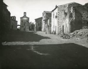 Foto di Sovana negli anni 30